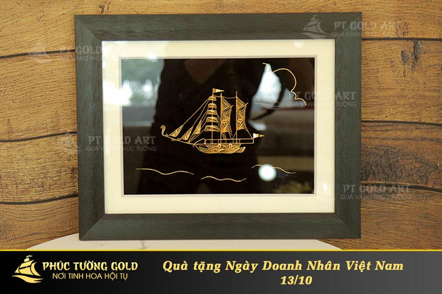 Quà tặng ngày doanh nhân Việt Nam tại Phúc Tường Gold